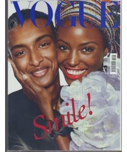 """Vogue Italia - mensile n. 795 Novembre 2016""""Smile!"""""""