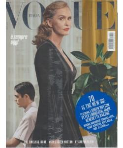 Vogue Italia - mensile n. 806 - Ottobre 2017 - E' sempre oggi
