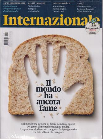 Internazionale - n. 1428 - 24/30 settembre     2021 - settimanale - 2 riviste