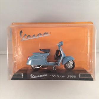 Modellino Vespa 150 Super del 1965 - scala 1:18 by Gazzetta dello Sport