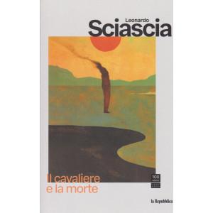 Leonardo Sciascia -Il cavaliere e la morte - settimanale - n. 15  - 66  pagine