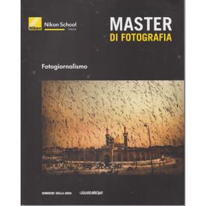 Master di fotografia - Fotogiornalismo-    n. 15  -  settimanale