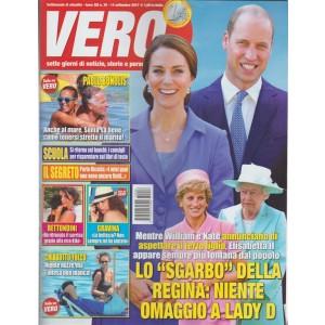 Vero - settimanale n. 36 - 14 Settembre 2017 - Paolo Bonolis e Sonia al mare