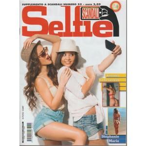 Selfie - speciale by Sandali  - Aprile 2018