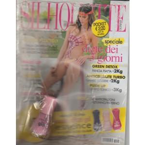 Silhouette Donna - mensile pocket n. 8 Agosto 2017 + Smalto effetto Gel Essence