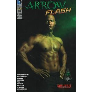 ARROW/SMALLVILLE #30 Agosto 2015 DC COMICS Lion