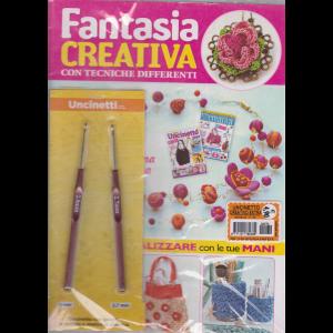 Uncinetto creativo extra - Fantasia creativa con tecniche differenti - n. 70 - mensile - + 2 uncinetti da 2mm e 2,7 mm -