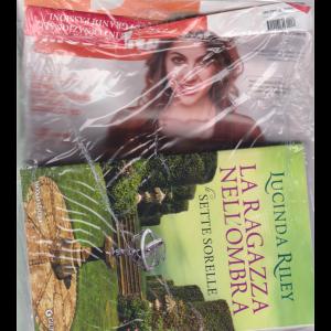 Donna moderna + il libro di Lucinda Riley - La ragazza nell'ombra - Le sette sorelle - n. 34 - settimanale - 6 agosto 2020 -