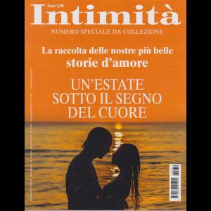 Speciali di intimità - n. 32 - bimestrale - Un'estate sotto il segno del cuore